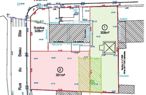Terrain 308 m²
