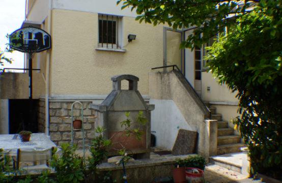 maison 5 pièces  avec potentiel d'un petit collectif.